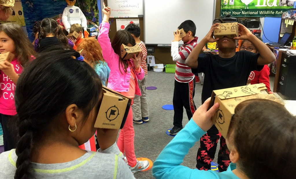 VR Headsets and Google Expeditions at Elementary School