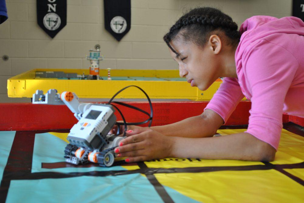 Minnesota High Schools Use Fab Lab to Teach STEM