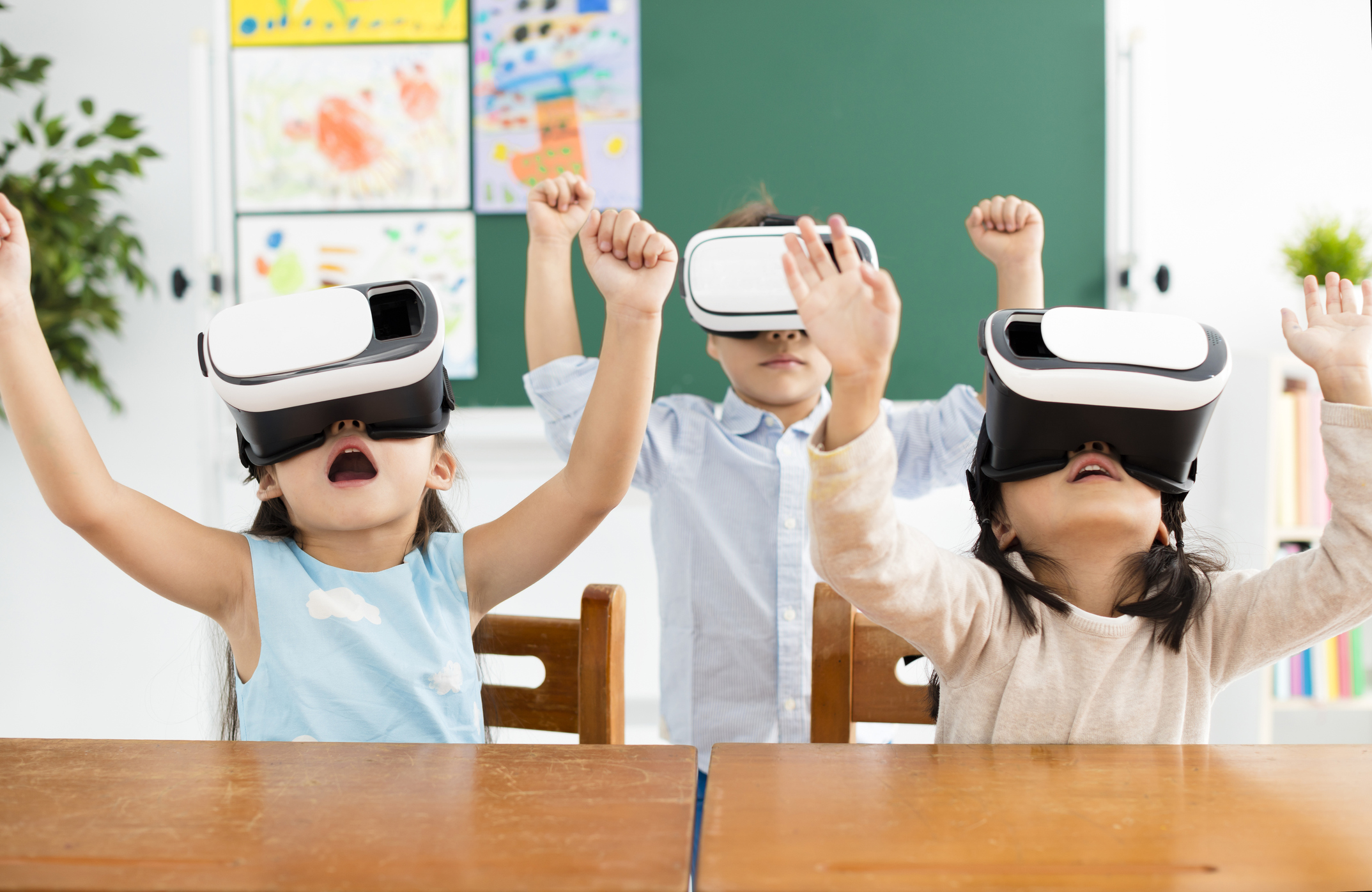 Kids Expected to Drive VR Demand as Parents Try to Moderate Health Risks -  Fab Lab Connect